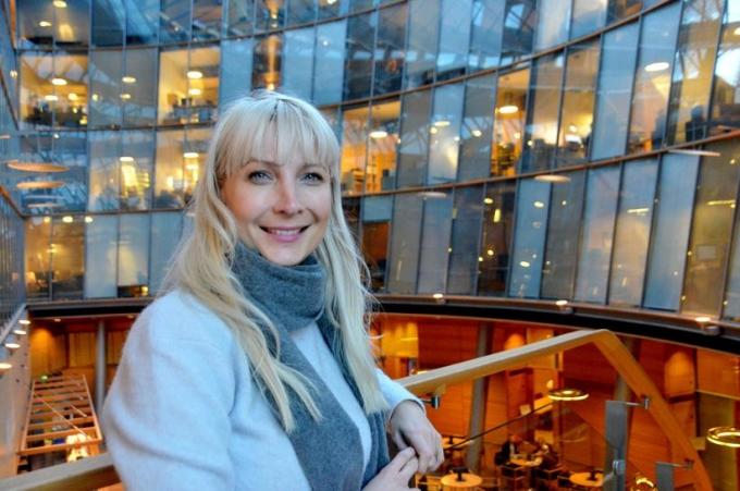 Chính trị gia cánh hữu Phần Lan Laura Huhtasaari tại quốc hội ở Helsinki, Phần Lan, ngày 13/12/2017. Ảnh: Reuters.
