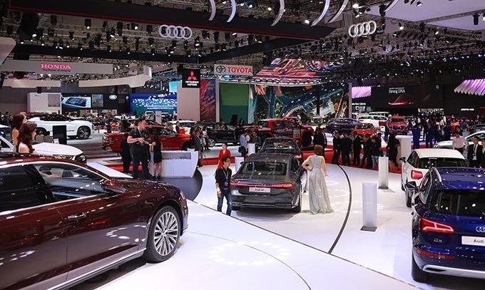 Một triển lãm ôtô Viêt Nam Motor Show thu thút nhiều thương hiệu và khách hàng.
