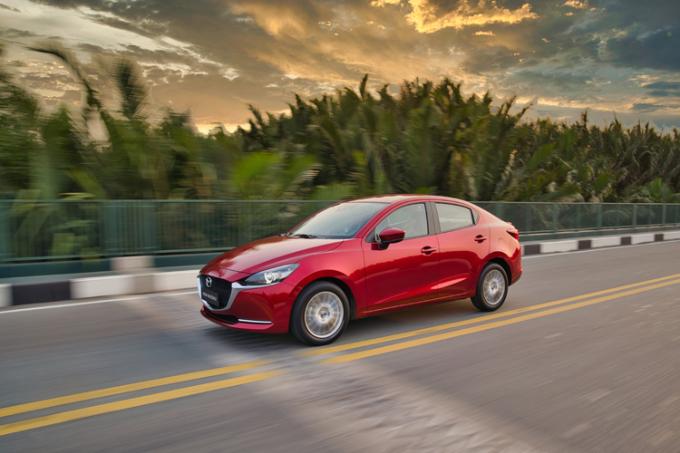 Mazda 2 2020 nhập khẩu từ Thái Lan.