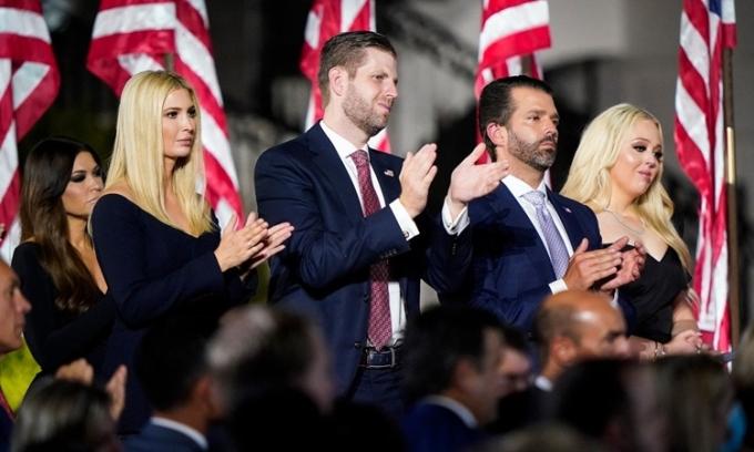 Từ trái qua phải: Ivanka Trump, Eric Trump, Donald Trump Jr. và Tiffany Trump tại Hội nghị Quốc gia đảng Cộng hòa hồi tháng 8. Ảnh: Washington Post.