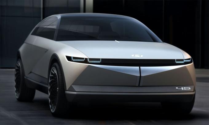 Mẫu concept 45 ra mắt hồi tháng 7, với kiểu dáng hatchback và phong cách hoài cổ. Ảnh: Hyundai