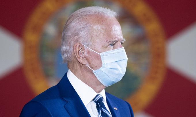 Biden trong sự kiện tranh cử ở bang Florida hôm 13/10. Ảnh: AFP.