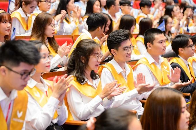 230 sinh viên khóa đầu tiên là những cá nhân xuất sắc đến từ các trường chuyên, trường chất lượng cao, trường quốc tế hoặc song ngữ. Ảnh: VinUni.