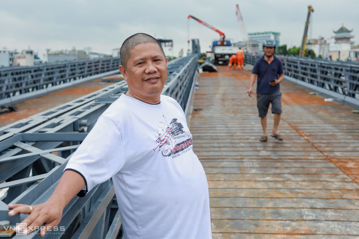 Cầu An Phú Đông trước và sau khi bị sà lan tông