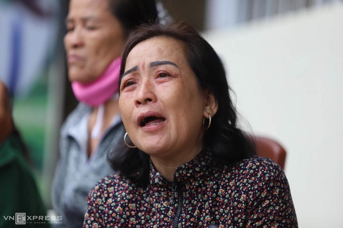 Nỗi đau của người thân các nạn nhân vụ lở núi ở Quảng Trị