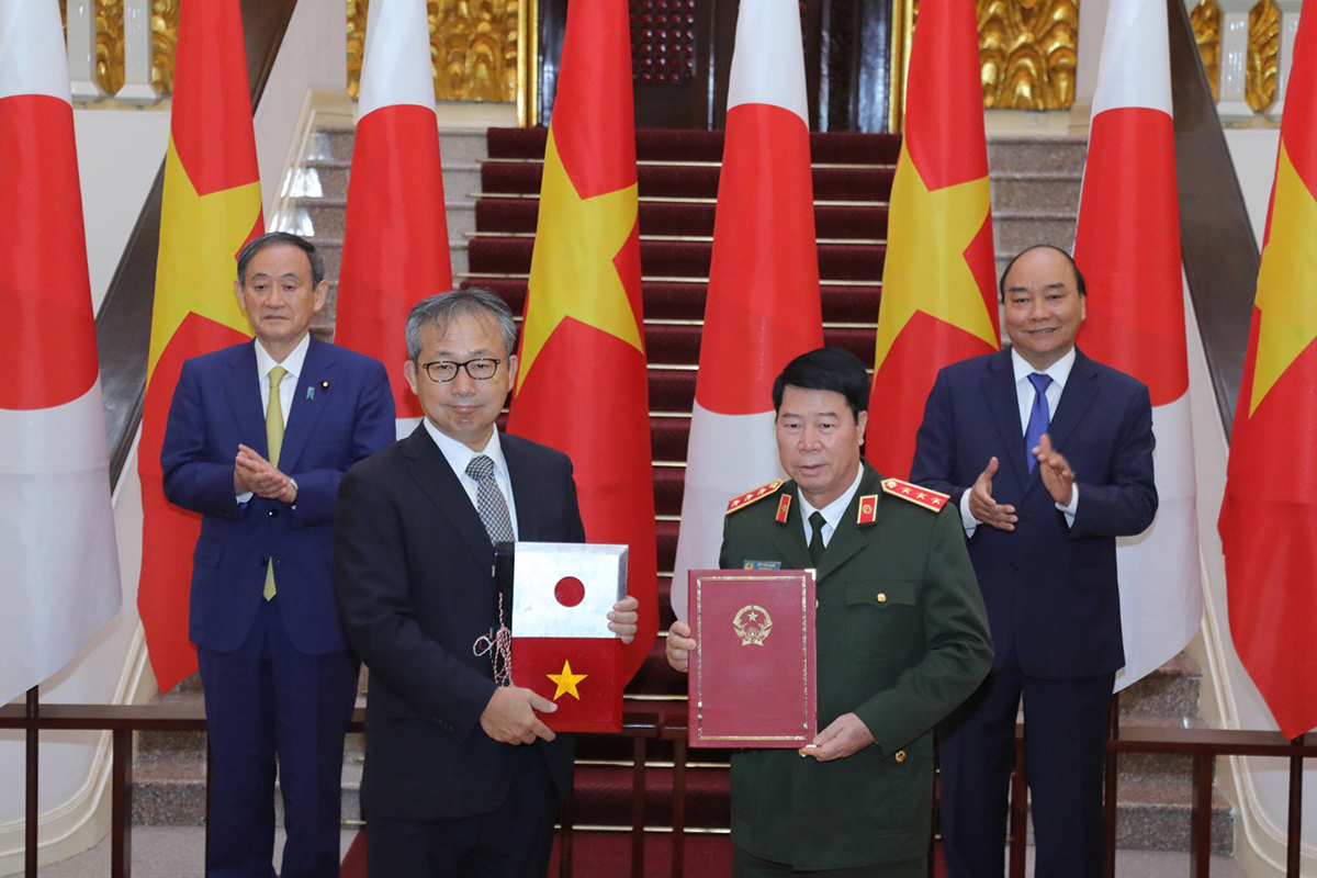 Ba ngày Thủ tướng Nhật Bản thăm Việt Nam