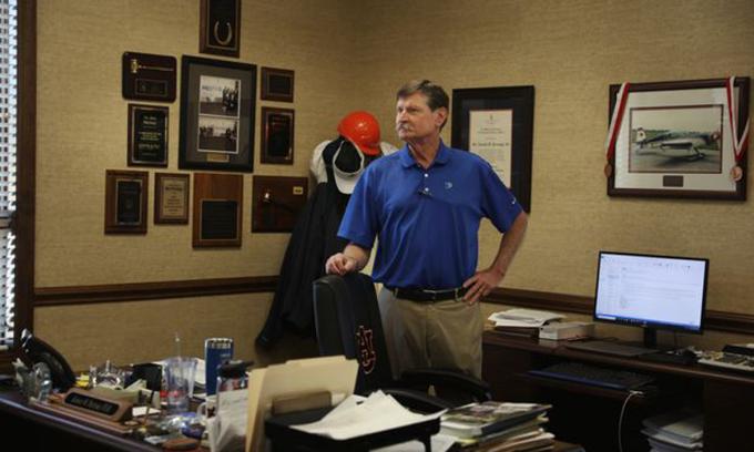 Ron Prestagem tại văn phòng của công ty Prestage Farms Inc. ở Clinton, bang Bắc Carolina. Ảnh: WSJ.