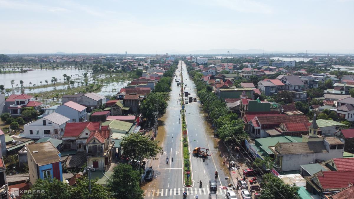 Thành phố Hà Tĩnh 4 ngày sau lũ