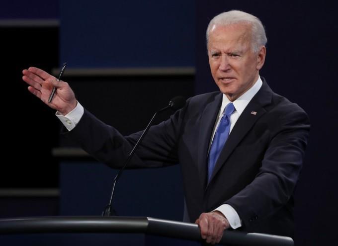 Joe Biden trong cuộc tranh luận với Trump tại Nashville ngày 22/10. Ảnh: AFP.