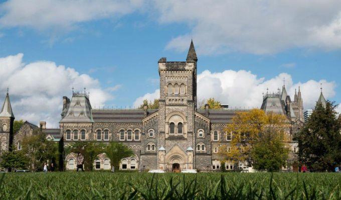 Một góc Đại học Toronto. Ảnh: University of Toronto 2