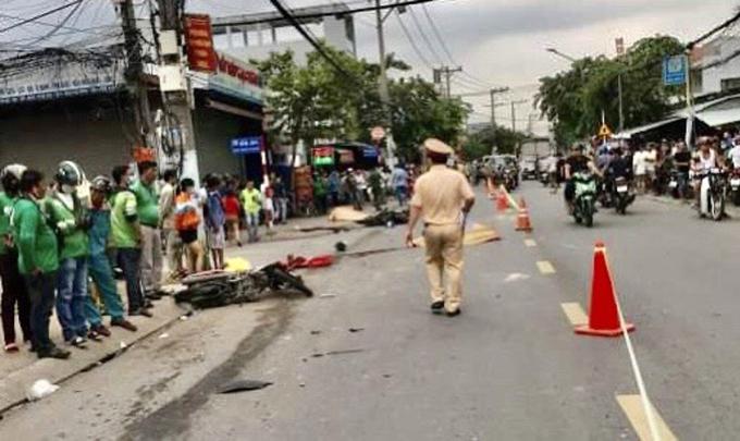 Hiện trường Mười gây tai nạn khiến 2 người chết, chiều 8/10. Ảnh cắt từ clip.