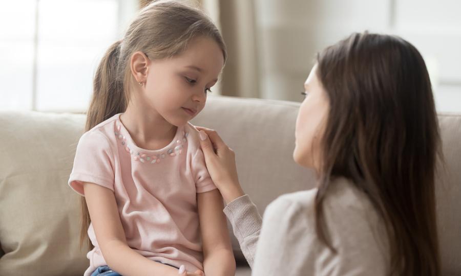 Năm cách nói chuyện với trẻ em dễ dàng hơn