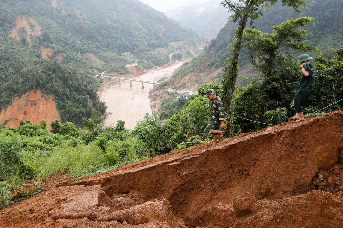 Các điểm sạt lở núi trước và sau thảm hoạ