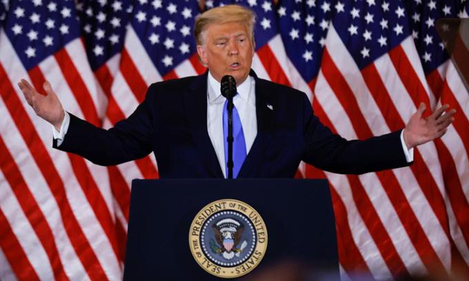 Tổng thống Donald Trump phát biểu tại Nhà Trắng rạng sáng 4/11. Ảnh: Reuters.