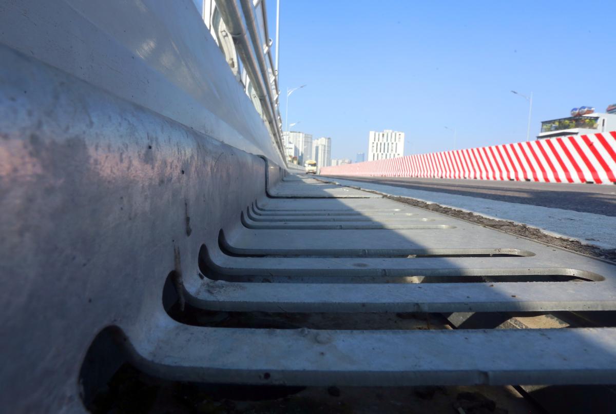 Thông xe cầu cạn Vành đai 2 qua đường Trường Chinh