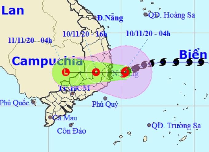 Đường đi của bão Etau theo bản tin của Trung tâm Dự báo Khí tượng thủy văn quốc gia lúc 5h sáng nay. Ảnh: NCHMF.