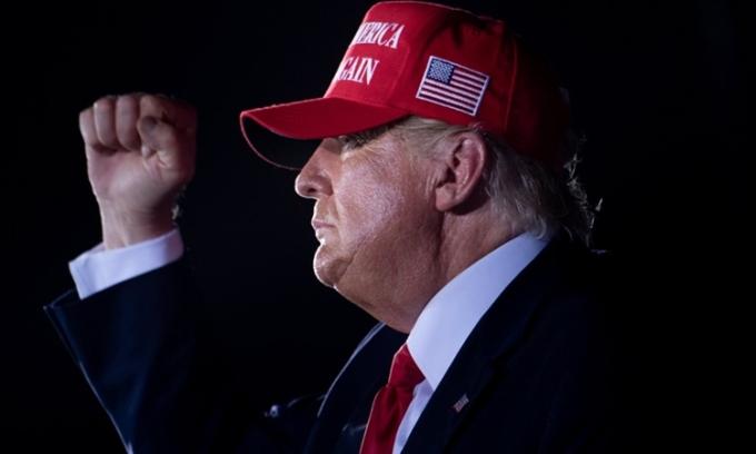 Tổng thống Mỹ Donald Trump tại sự kiện ở Opa Locka, Florida, hôm 2/10. Ảnh: AFP.