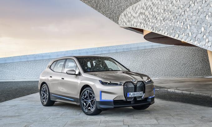 BMW giới thiệu mẫu SUV điện mới iX. Ảnh: BMW