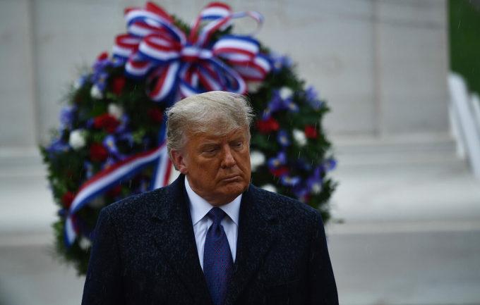 Tổng thống Trump tại Nghĩa trang Quốc gia Arlington ngày 11/11. Ảnh: AFP.