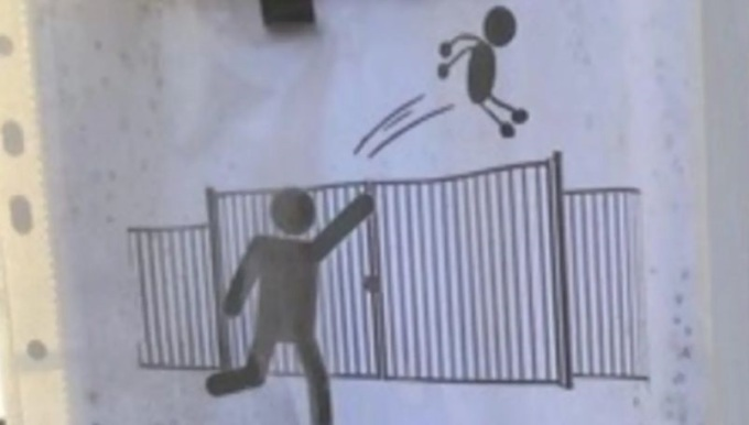 Hình cảnh báo phụ huynh không ném con vào trường nếu đi muộn. Ảnh: La Provence.