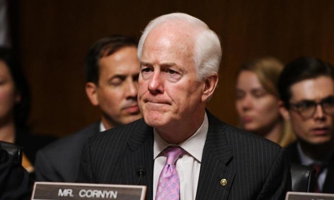Đảng Cộng hòa hối thúc Trump gửi báo cáo mật cho Biden