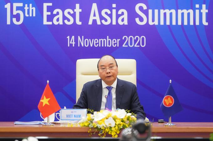 Thủ tướng Nguyễn Xuân Phúc trong Hội nghị Cấp cao Đông Á ở Hà Nội ngày 14/11. Ảnh: