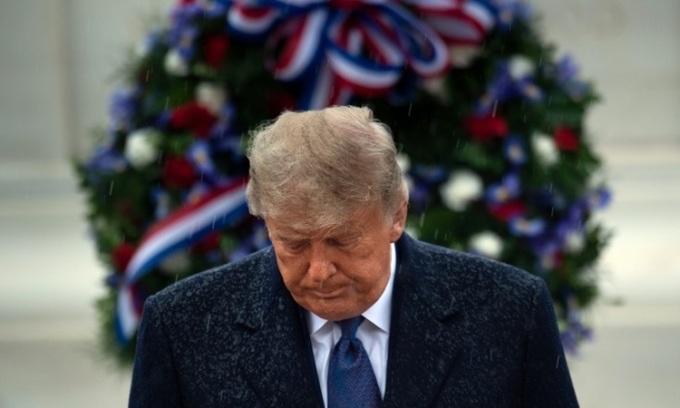 Tổng thống Mỹ Donald Trump dự lễ tưởng niệm trong Ngày Cựu binh tại Nghĩa trang Quốc gia Arlington hôm 11/11. Ảnh: AFP.