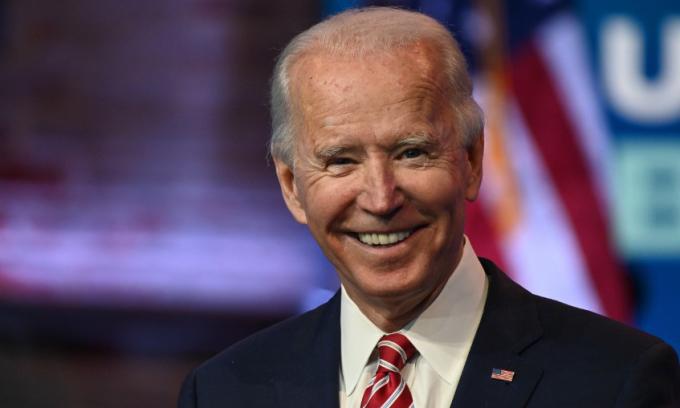 Tổng thống đắc cử Joe Biden trong cuộc họp báo tại Wilmington, bang Delaware, hôm 16/11. Ảnh: AFP.
