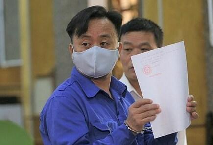 Bị cáo Nguyễn Minh Khoa taị phiên phúc thẩm ngày 19/11. Ảnh: Vũ Thanh