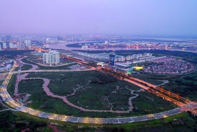Đại lộ vòng cung bao quanh Khu đô thị mới Thủ Thiêm nhìn từ trên cao vào tháng 11/2018. Ảnh: Hữu Khoa