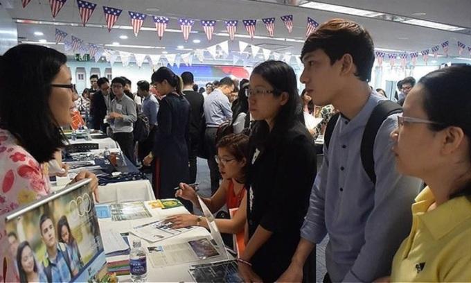 Sinh viên Việt Nam tham dự hội chợ giáo dục Mỹ tại TP HCM năm 2018. Ảnh: Lãnh sự quán Mỹ tại TP.HCM.