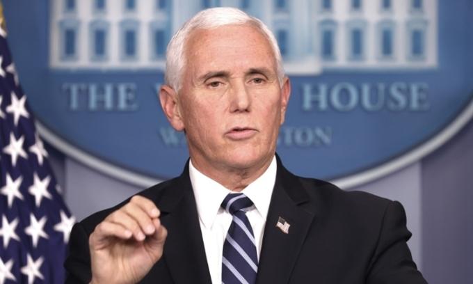 Phó tổng thống Mike Pence tại cuộc họp ở Nhà Trắng hôm 19/11. Ảnh: AFP.