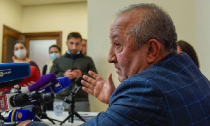 Tướng Kakobyan trong cuộc họp báo hôm 19/11. Ảnh: Sputnik.