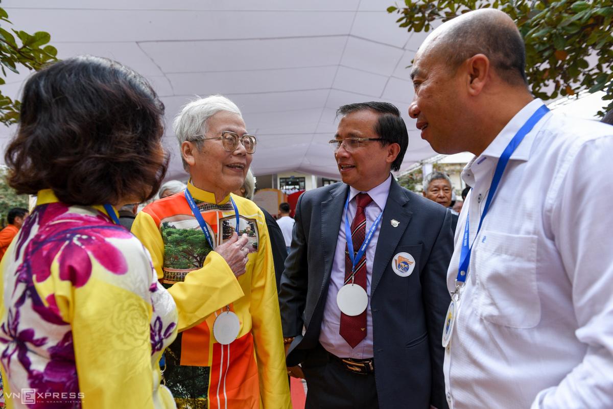 Trường Lê Hồng Phong tròn 100 tuổi