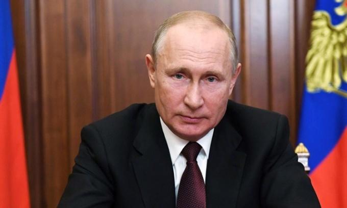 Tổng thống Nga Vladimir Putin có bài phát biểu trước toàn quốc hồi tháng 6. Ảnh: Reuters.