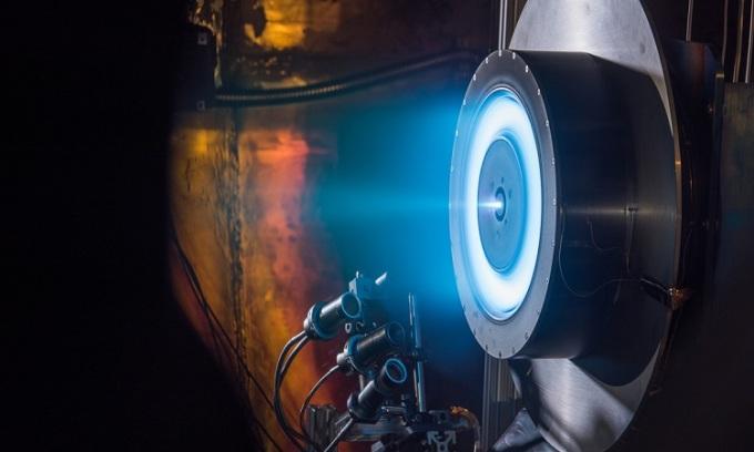 Thiết kế động cơ đẩy tàu vũ trụ không dùng nhiên liệu đốt. Ảnh: NASA.