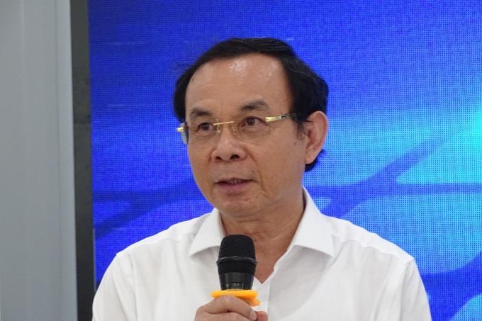 Bí thư Thành ủy TP HCM Nguyễn Văn Nên nói về nguồn nhân lực khi làm việc với Khu công nghệ cao sáng 25/11. Ảnh: Hà An.