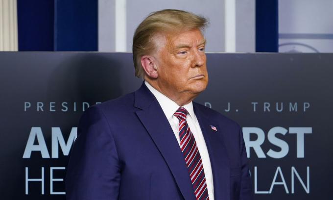 Trump 'đơn thương độc mã' hậu bầu cử