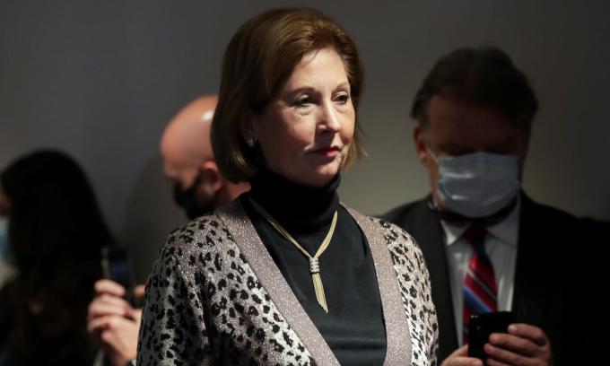 Luật sư Sidney Powell trong cuộc họp báo tại trụ sở Ủy ban Quốc gia đảng Cộng hòa ở Washington hôm 19/11. Ảnh: Reuters.
