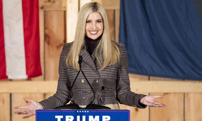 Ivanka phát biểu trong cuộc vận động tranh cử của Tổng thống Mỹ Donald Trump tại Waymart, bang Pennsylvania, hôm 29/10. Ảnh: Reuters.