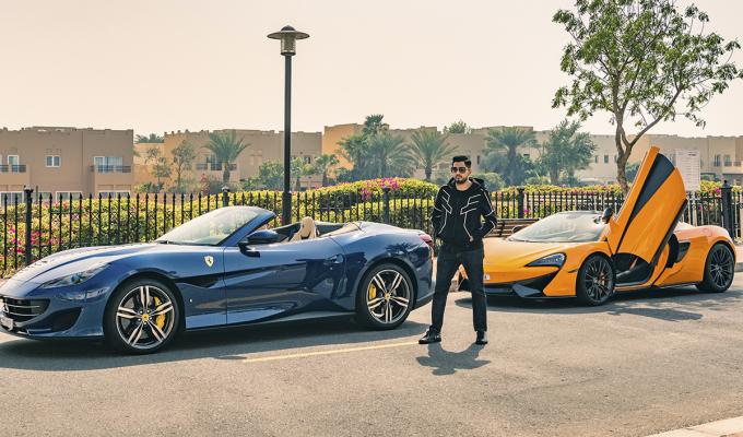 Tỷ phú và hai siêu xe, Ferrari cùng McLaren.