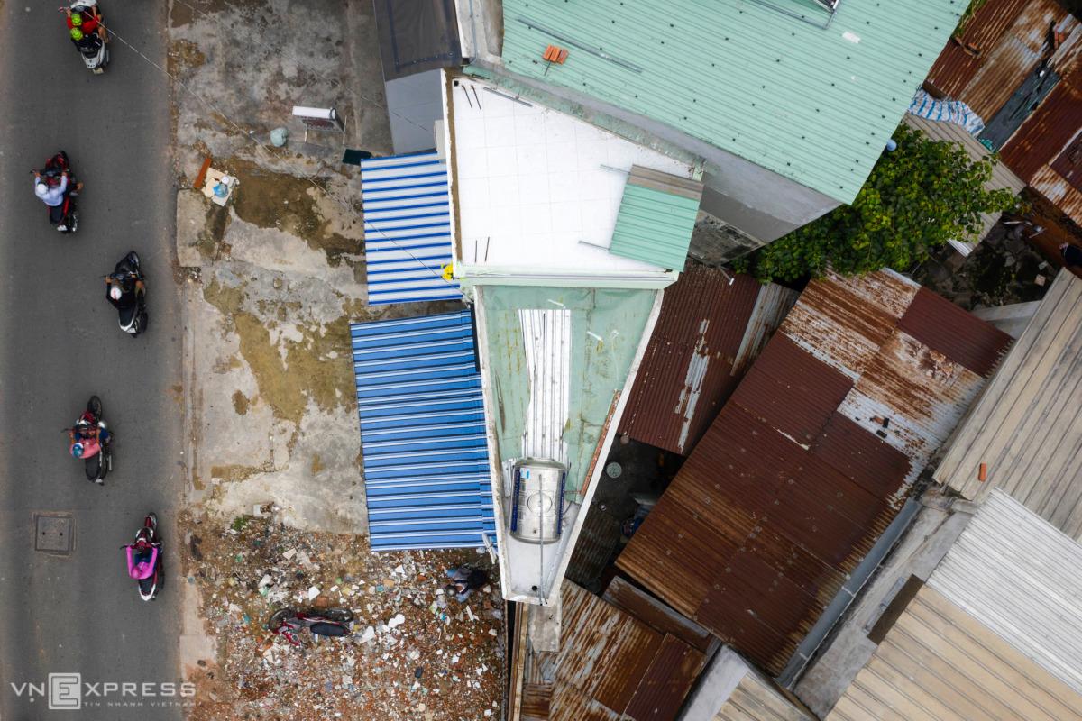 Những căn nhà siêu mỏng sau mở đường ở Sài Gòn