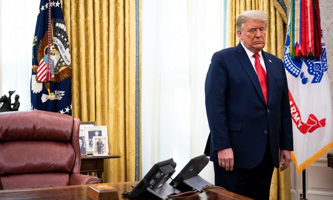 Tổng thống Trump tại Phòng Bầu dục Nhà Trắng hôm 3/12. Ảnh: NYTimes.