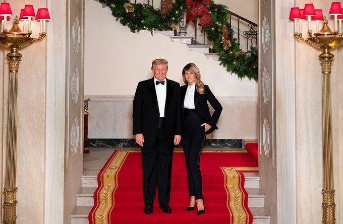 Ảnh Giáng sinh 2020 của Tổng thống Trump và phu nhân Melania. Ảnh: Twitter/Melania Trump.