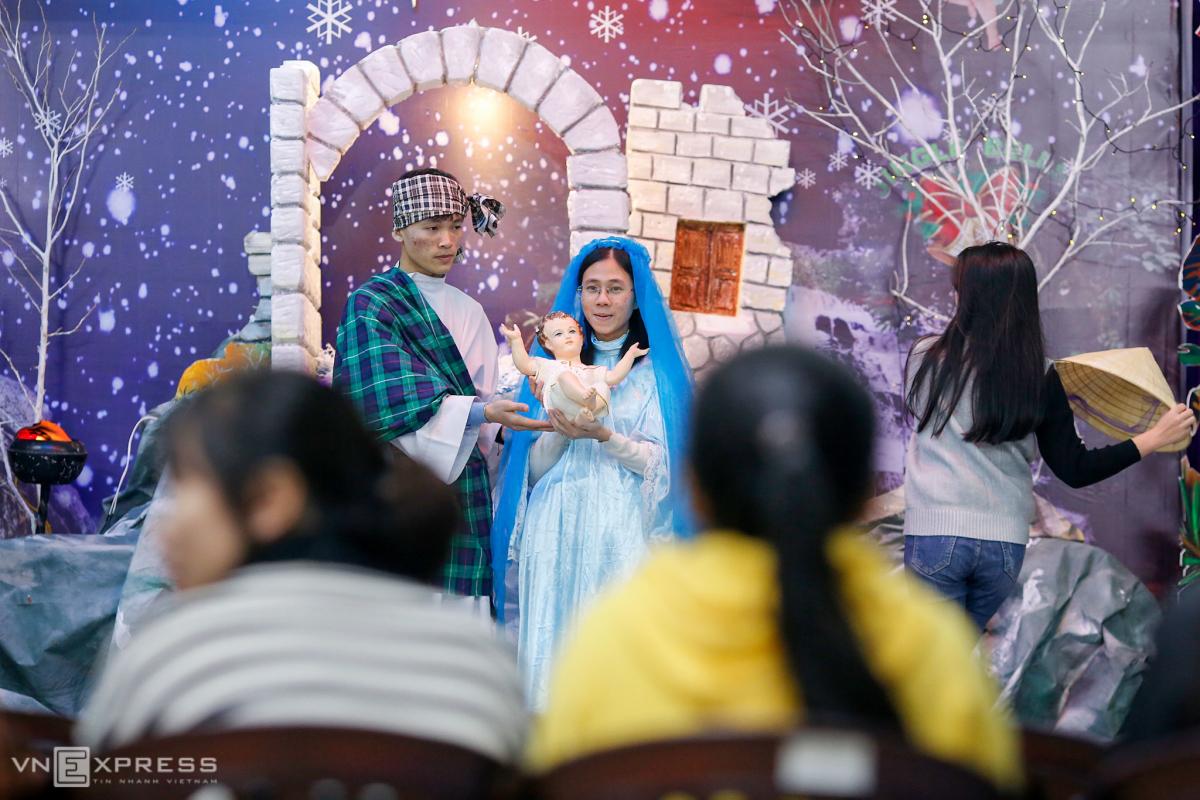Giáo dân chuẩn bị Giáng sinh