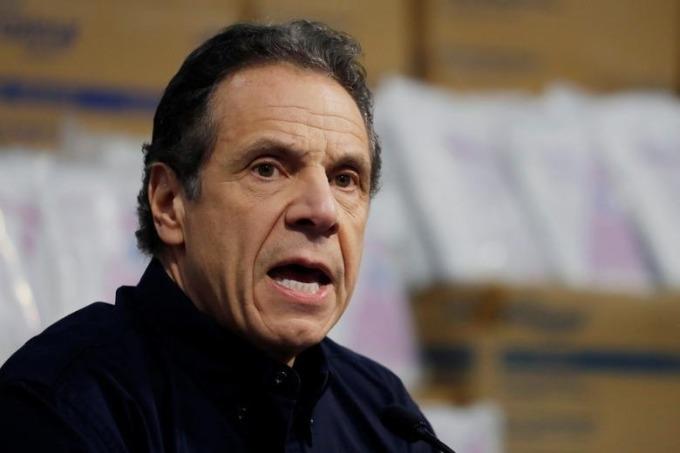 Thống đốc New York trong một cuộc họp báo về Covid-19 ở thành phố New York hôm 24/3. Ảnh: Reuters