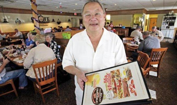 Ông Lê Văn Lộc, chủ chuỗi nhà hàng Jimmys Egg. Ảnh: Oklahoman.