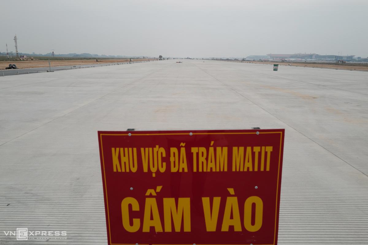 Đường băng 1B sân bay Nội Bài hoàn thành cuối tháng 12