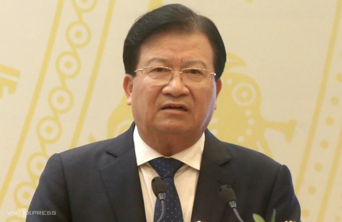 Phó thủ tướng Trịnh Đình Dũng phát biểu tại hội nghị của Bộ Giao thông Vận tải sáng 24/12. Ảnh: Bá Đô
