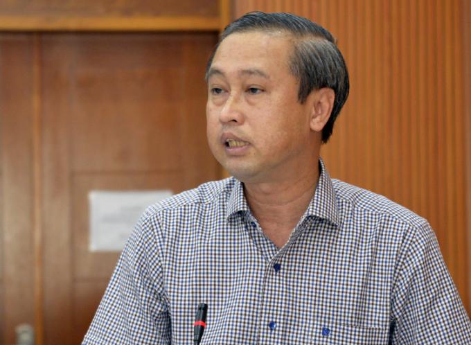 Giám đốc Sở Nội vụ Huỳnh Thanh Nhân phát biểu tại buổi làm việc sáng nay. Ảnh: Hữu Công.